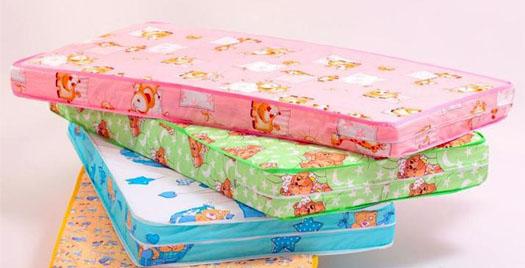 матрасы для ребенка с разной расцветкой
