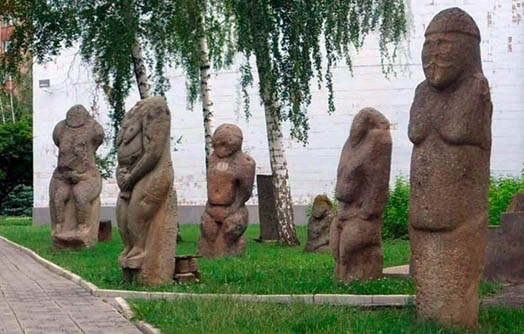 памятники скульптуры в одном месте