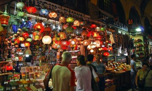 рынок востока в ночное время