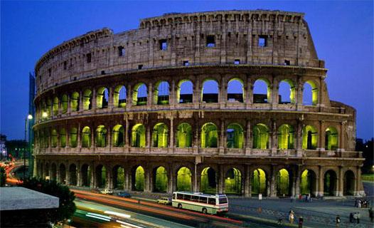 колизей в центре Рима