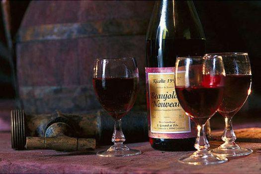 Вино Божоле