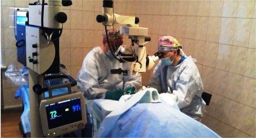 хирурги лечат от катаракты